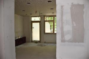 Baufortschritt nach einem Jahr - Eingangsbereich für die Hortkinder (Rückwärtig)