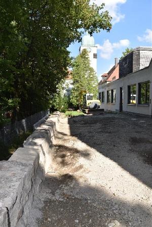 Baufortschritt nach einem Jahr - Außenbereich hinter dem BGZ